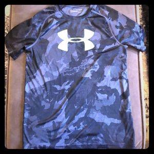 Boys XL Under Armour Shirt